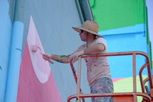 "HENSE working on ""Building Blocks"" - the Mural of Unbelievable Size"